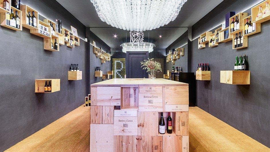 2-Wine-Store-Remirez-de-Ganuza-Mecanismo-Javier-Bravo-942x531